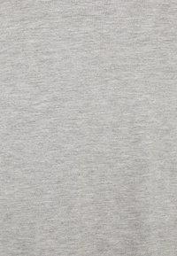 Anna Field Curvy - 3 PACK - T-shirt basic - black /white/light grey - 5