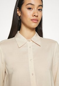 Gina Tricot - HILMA - Button-down blouse - whisper pink - 3