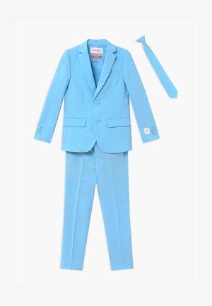 Costume - cool blue