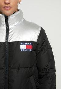 Tommy Jeans - JACKET - Gewatteerde jas - metallic/black - 4