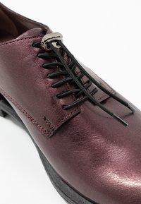 MJUS - Šněrovací boty - wine/plum - 5