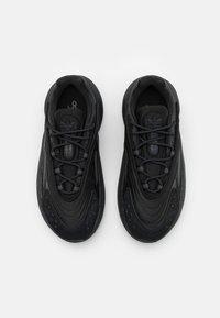 adidas Originals - OZELIA UNISEX - Trainers - core black/carbon - 5