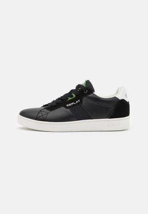 CLASSIC TRUCK - Trainers - black/white/green