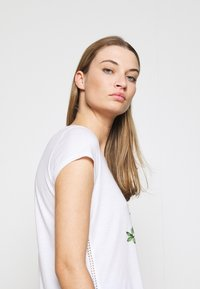 Marc Cain - Print T-shirt - white/black - 3
