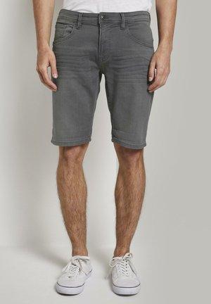 Denim shorts - clean bleached grey denim