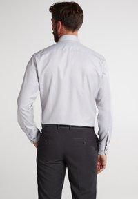 Eterna - MODERN FIT - Shirt - silbergrau - 1