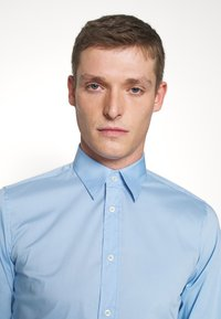 Benetton - BASIC - Formal shirt - light blue - 3