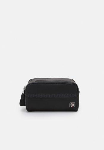 MONOGRAM WASHBAG UNISEX - Wash bag - black