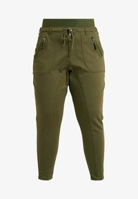 PANTS - Trousers - ivy green