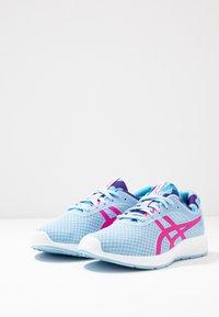 ASICS - PATRIOT 11 - Hardloopschoenen neutraal - heritage blue/pink glow - 2
