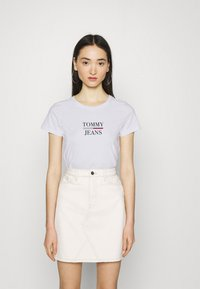 Tommy Jeans - ESSENTIAL LOGO TEE - Print T-shirt - white - 0