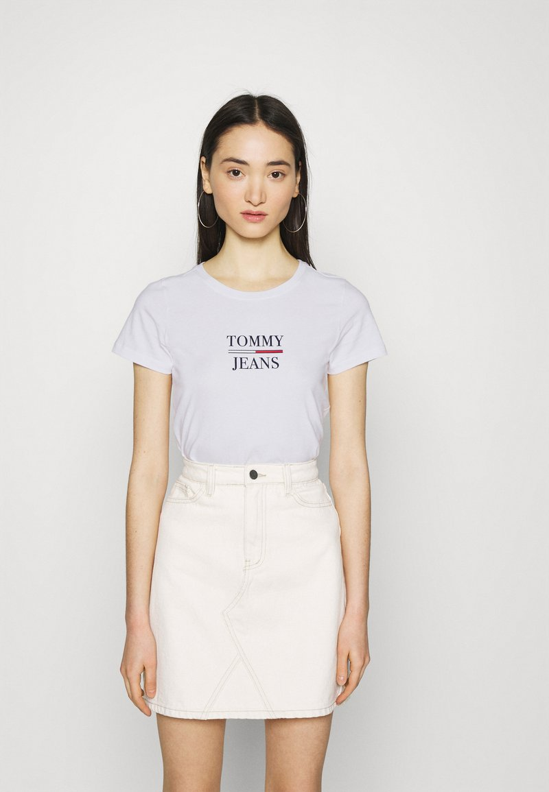 Tommy Jeans - ESSENTIAL LOGO TEE - Print T-shirt - white