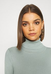 Even&Odd - BASIC- RIBBED TURTLE NECK - Jumper - light green - 5