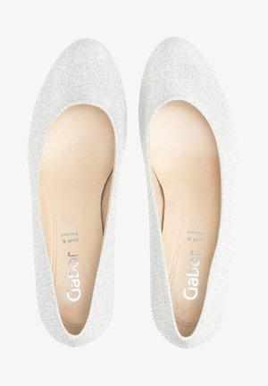 PLATEAU  - Classic heels - silber