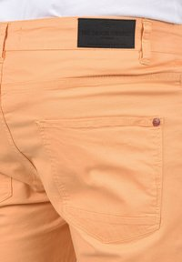 Solid - Denim shorts - orange chi - 4
