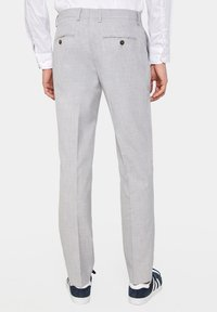 WE Fashion - DALI - Suit trousers - blended light grey - 2
