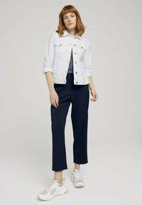 TOM TAILOR - MIT KNITTERDETAILS - Denim jacket - white - 1