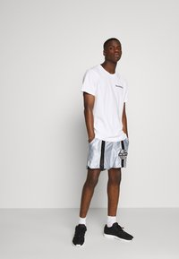 Grimey - ACKNOWLEDGE RUNNING  - Shorts - silver - 1