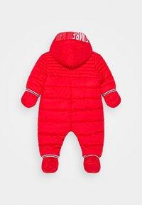 Timberland - ALL IN ONE BABY  - Lyžařská kombinéza - bright red - 2