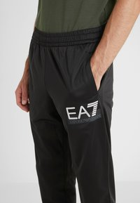 EA7 Emporio Armani - TRACKSUIT - Tracksuit - black - 6