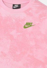 Nike Sportswear - MAGIC CLUB CREW - Collegepaita - pink foam - 3