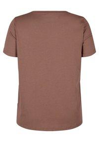 Zizzi - Print T-shirt - deep taupe - 5