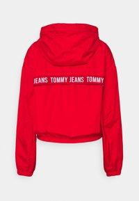 Tommy Jeans - YOKE TAPE  - Veste coupe-vent - deep crimson - 7