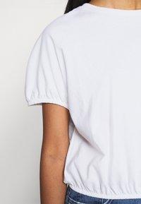 Gina Tricot - SAL - Basic T-shirt - white - 4