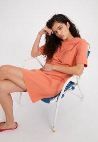 ARMEDANGELS - KLEAA - Jersey dress - burned mandarin - 4