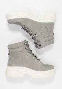New Look - CHUNK - Plateaustøvletter - mid grey - 3