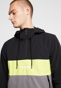 Gym King - SHORE HOODED OVERTOP - Summer jacket - dark grey/neon yellow/black - 3
