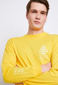 Vans - MN 66 SUPPLY LS - Print T-shirt - lemon chrome - 3
