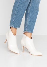 Anna Field - High heeled ankle boots - offwhite - 0