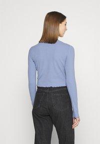 Cotton On - CORI CROP BUTTON THROUGH - Cardigan - vintage blue - 2