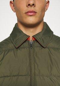 Volcom - HOBRO JACKET - Winter jacket - military - 8