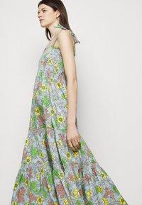 Tory Burch - PRINTED TIE SHOULDER DRESS - Vapaa-ajan mekko - wallpaper - 5