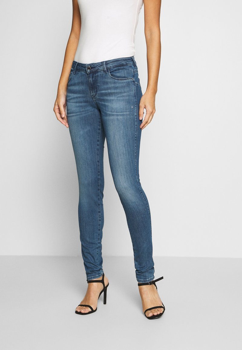 Guess - CURVE X - Jeans Skinny Fit - dry mid