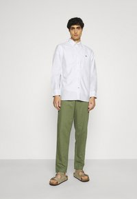 Tommy Hilfiger - CLASSIC OXFORD - Formal shirt - white - 1