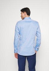 OLYMP - OLYMP NO.6 SUPER SLIM FIT  - Koszula biznesowa - blau - 2