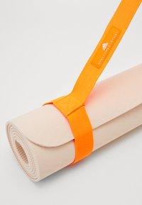 adidas by Stella McCartney - YOGA MAT - Fitness/yoga - sofpow/apsior - 4