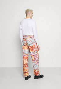 Jaded London - ABSTRACT 70S PRINT SKATE - Relaxed fit jeans - multi - 2