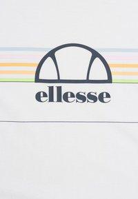 Ellesse - LENTAMENTE  - Print T-shirt - white - 2