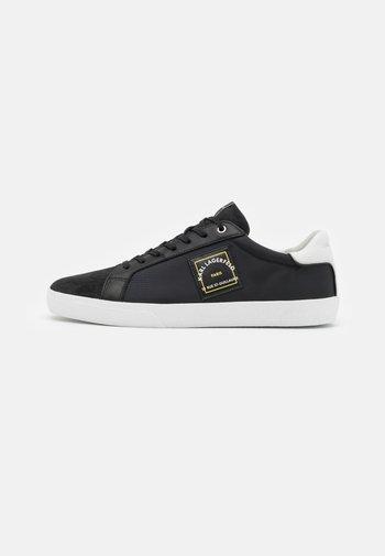 SKOOL MAISON LACE - Zapatillas - black/white