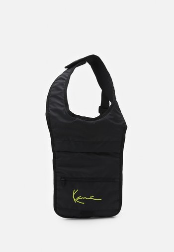 SIGNATURE BODY BAG UNISEX - Ryggsekk - black