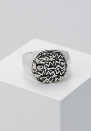 EMBOSSED SYMBOL BURNISHED ROUND - Ring - silver-coloured