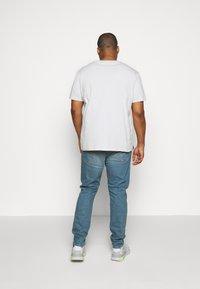 Levi's® Plus - 512 SLIM TAPER - Jeans Tapered Fit - pelican rust - 2