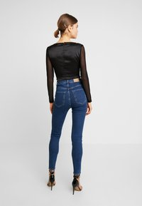 Missguided - CORSET STYLE - Blus - black - 2