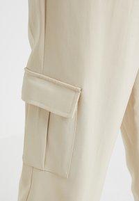 Bruuns Bazaar - ISOLDE DAGMAR PANT - Stoffhose - almond beige - 5