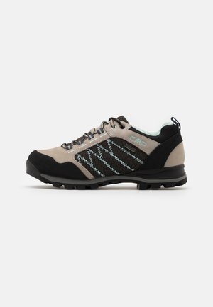 THIAMAT LOW TREKKING SHOE WP - Hikingsko - sand