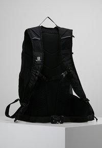 Salomon - TRAILBLAZER 20 UNISEX - Backpack - black/black - 2
